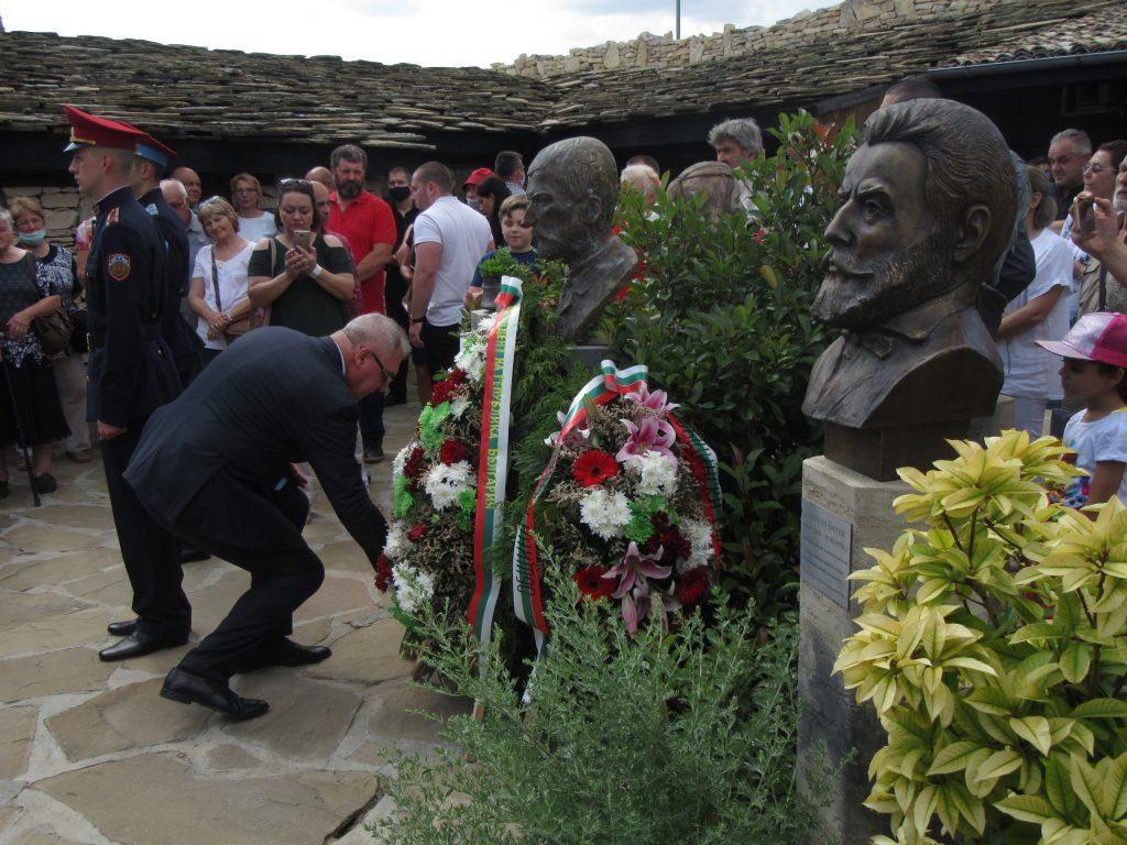 Открытие памятника Захарию Стоянову